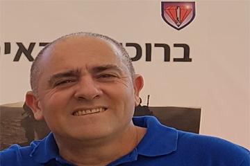 נועם פאר מנהל גינות פאר